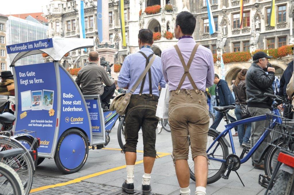 Marienplatz München, mobiler Eyecatcher, das Rikscha-Mobil