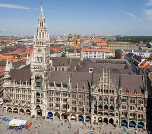City_High_Light_Tour_Plus_Pedalhelden_Muenchen_Rathaus_Marienplatz
